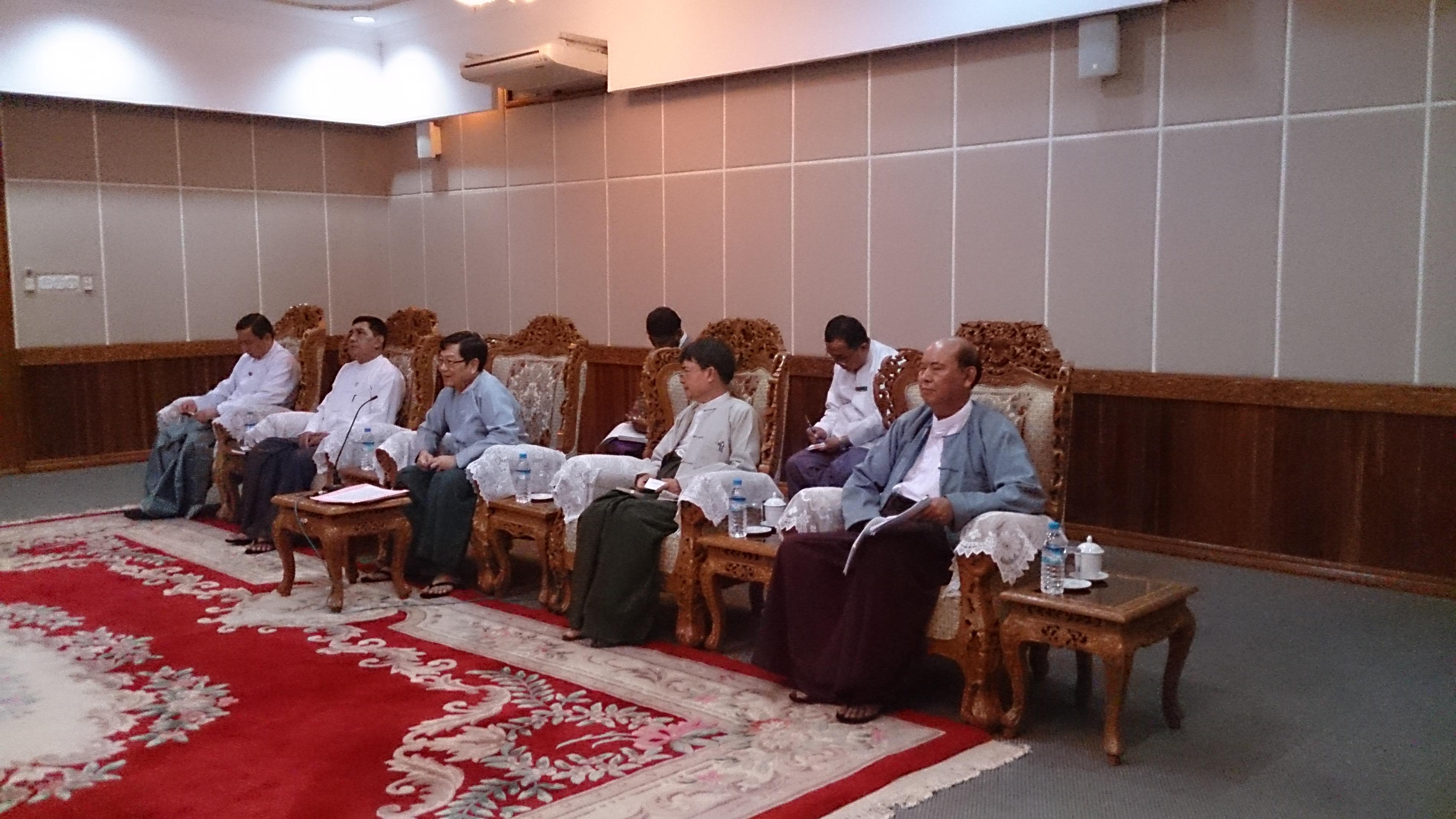 ミャンマー大統領府大臣を訪問
