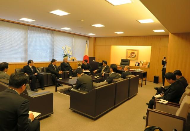 ミャンマー科学技術省事務次官、教育省事務次官を招聘  木原外務副大臣と会談