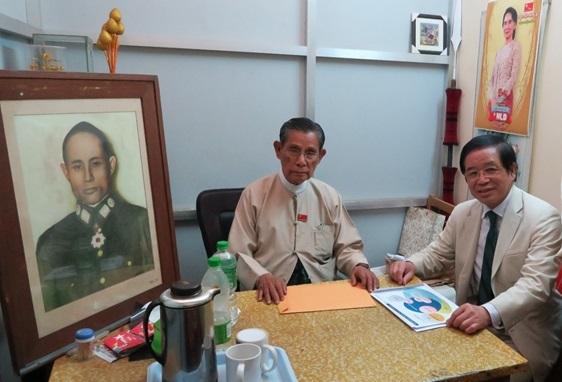 旧知のNLD最高顧問 U Tin Oo 氏を表敬訪問